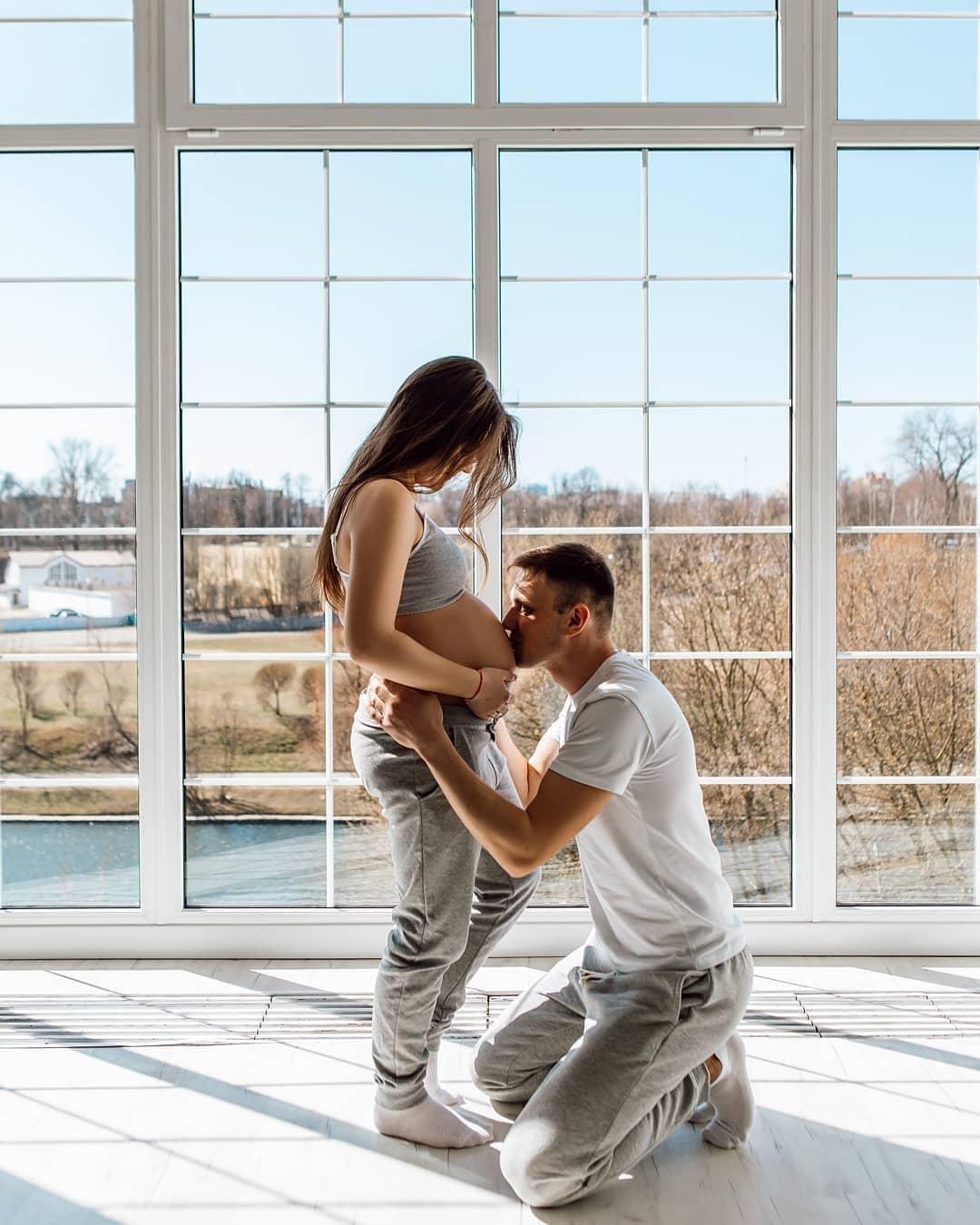 Фолтосессия беременности в Минске в фотостудии
